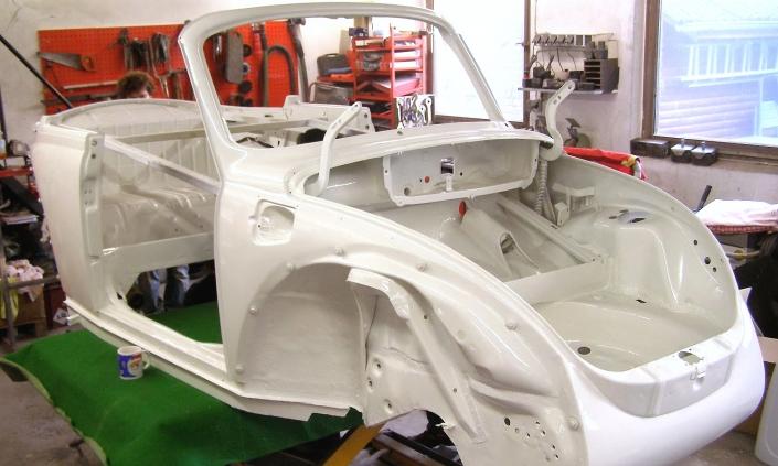 Karosseriebau Krüger Unfallinstandsetzung Oldtimer Restaurieung VW Käfer